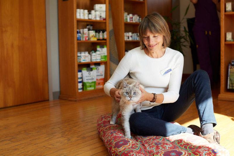 Dr Laurel Davis and cat